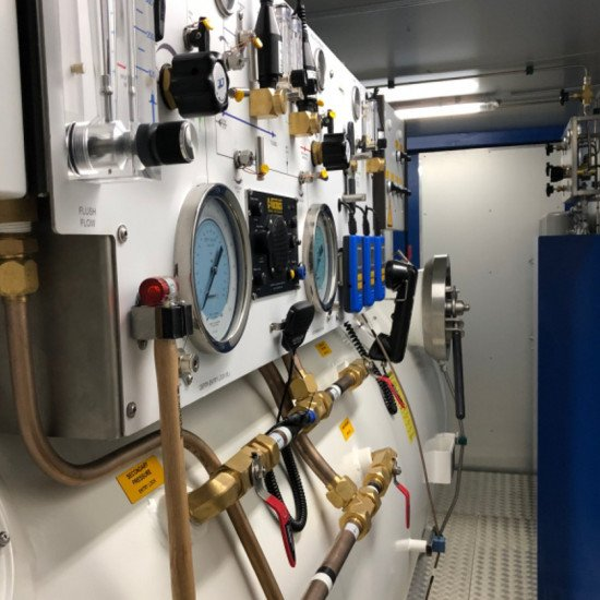 diver decompression chamber