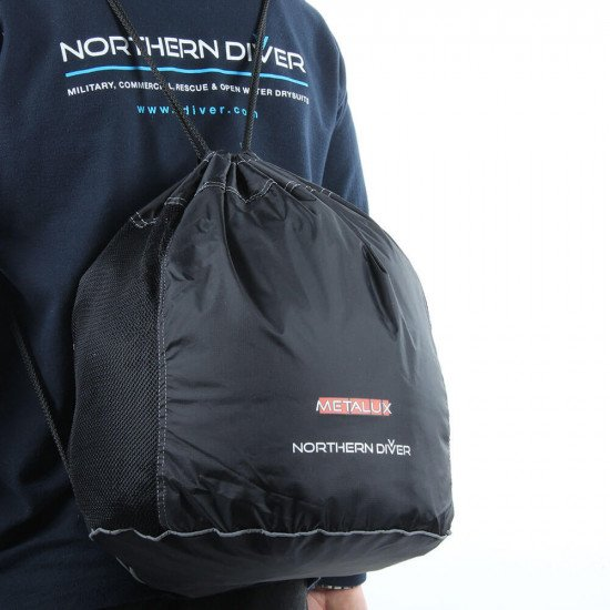 Supplied with a black, mesh-panelled, drawstring carry bag (complete with Northern Diver and Metalux® logos)