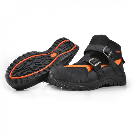 Freestyle safety boots in orange and black colour can be used with drysuits