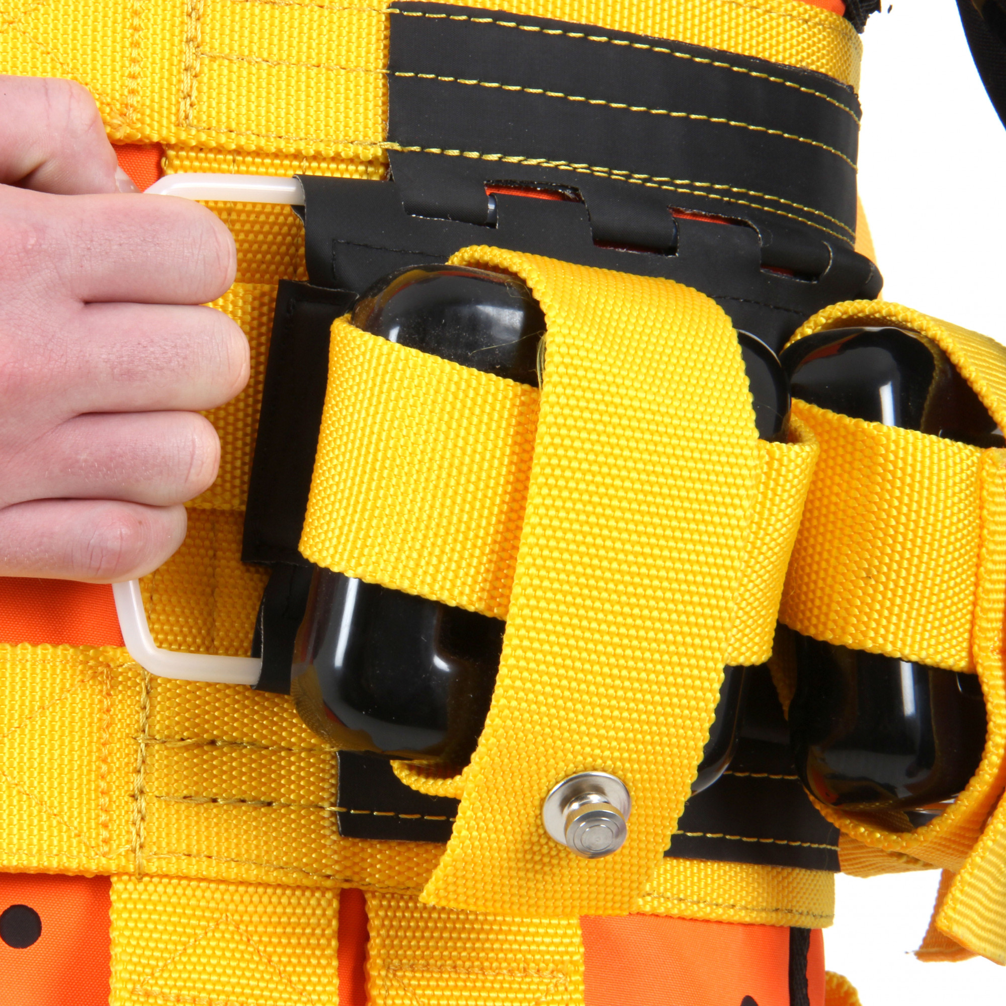 Quick release weight belt on the Northern Diver R-Vest